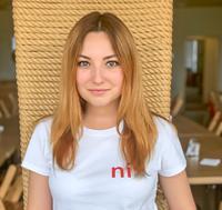 Поліна Звонарьова