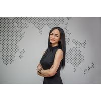 Карина Мирошниченко